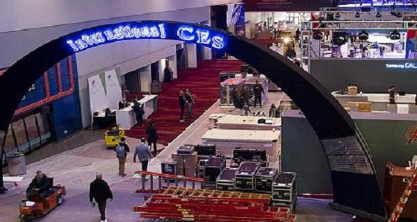 - Pour un monde connecté-le CES ouvre ses portes à Las Vegas sur un espace dédié-grand comme 35 terrains de foot