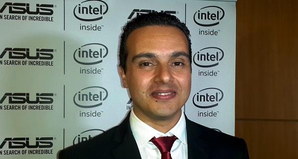 - Adnene Jemili-ASUS-à la recherche de l'incroyable-dévoile à Tunis son UX305 et le Transformer Book Chi