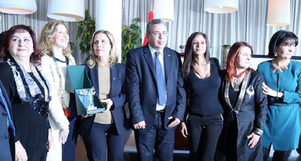 - Selma Elloumi Rekik s'est vue décerner le Prix de la Femme d'influence tunisienne de l'Année