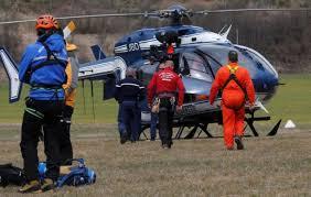 - Un Airbus A320 de la compagnie Germanwings s'est écrasé sur les hauteurs des Alpes-de-Hautes-Provence-150 morts-2