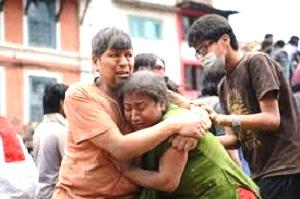 Népal- à la pauvreté-s'ajoute une catastrophe humanitaire due à un terrible séisme-3200 morts- 6500 blessés - 34