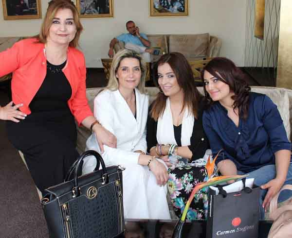 - élection officielle de Princesse Carmen Steffens Tunisie-Une première pour la Tunisie - 1-1