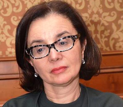 - Maître Donia Ellouze-Présidente de la Fondation EFE-Tunisie