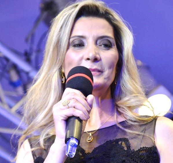 - Samia Klich Belhiba-La Tunisienne Yoldez Ben Naoui élue Princesse Carmen Steffens