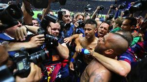 - Barcelone bat la Juventus 3-1 et s'offre sa 5e Ligue des champions- 2