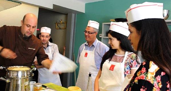 - La gastronomie-partie intégrante des vols d'Emirates-y savourer des mets raffinés