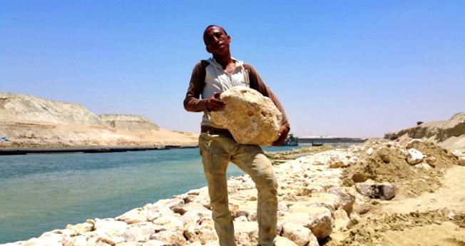- Les véritables héros du Canal de Suez et leur fierté d'être les bâtisseurs de leur patrie