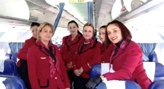 - 13-Août-Les-femmes-à-l'honneur-et-aux-commandes-de-Tunisair-avec-des-équipages-exclusivement-féminins-2-TT-660