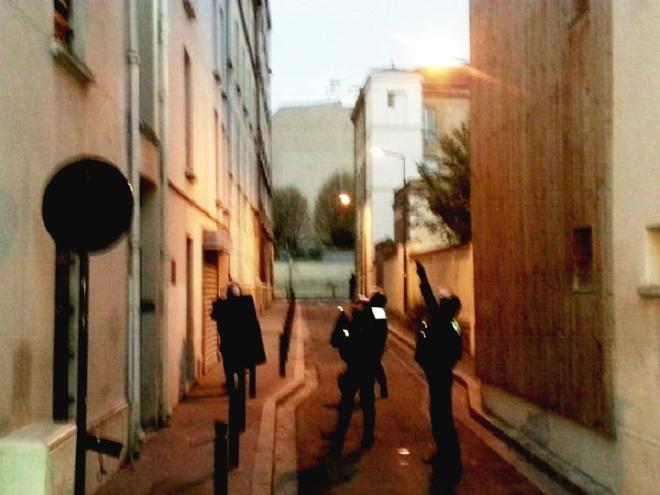 - Saint-Denis-à-Paris-Assaut-policier-suspects-2-forcenés-morts-et-une-femme-kamikaze-3
