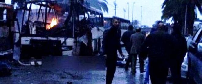 - Terreur-à-Tunis-explosion-d'un-bus-de-ramassage-de-la-garde-présidentielle-11-morts-et-plusieurs-blessés-3