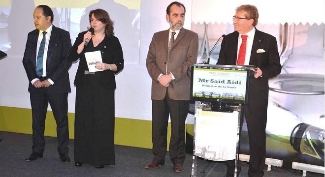 - Le-Prix-Sanofi-de-Recherche-en-Santé-attribué-au-Pr-Tarek-Ben-Othman-et-au-Dr-Leila-Sallemi-3