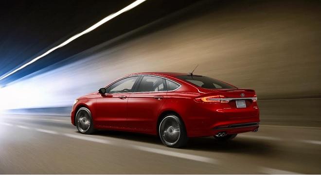 - Ford-dévoile-un-modèle-Fusion-plus-technologique-et-performant
