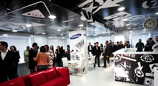 - Samsung-Customer-Center-inauguration-aux-Berges-du-Lac-d'un-espace-convivial-et-original-00