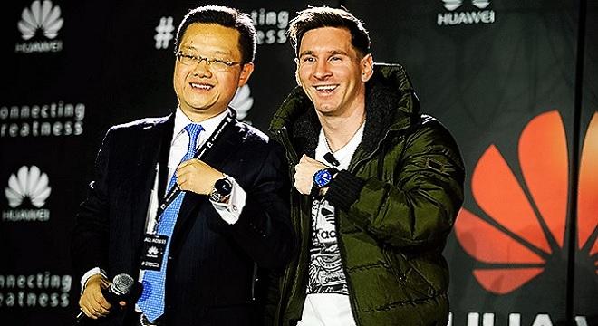 - Lionel-Messi-rejoint-la famille-des ambassadeurs-Huawei