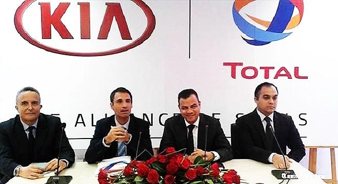 - Dans-le-cadre-d'une-alliance-de-compétences-Total-&-City-Cars-signent-un-accord-TT660