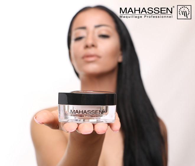 - La-ligne de-maquillage-Mahassen-réservée-aux-professionnels-s'adresse-désormais-au grand-public-01