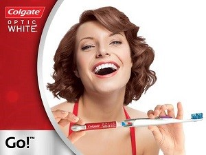 - Le-dentifrice-Colgate-Optic-White-Whiten-&-Restore-élargit-l'offre-du-segment-blancheur-300