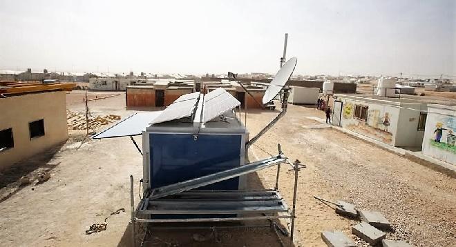 - SES-et-Solarkiosk-apportent-Électricité-et-Internet-à-un-Centre-Educatif-de-Refugies-en-Jordanie-2