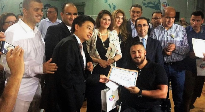 - Huawei-soutient-et-assiste-activement-l'Evénement-Caritatif-de-Football-La-Joie-de-l'AID -2