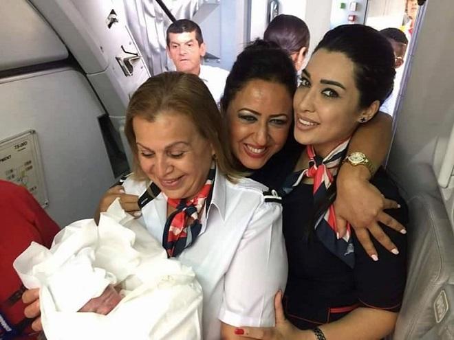 Tunisair: une naissance en avion mais pas en vol