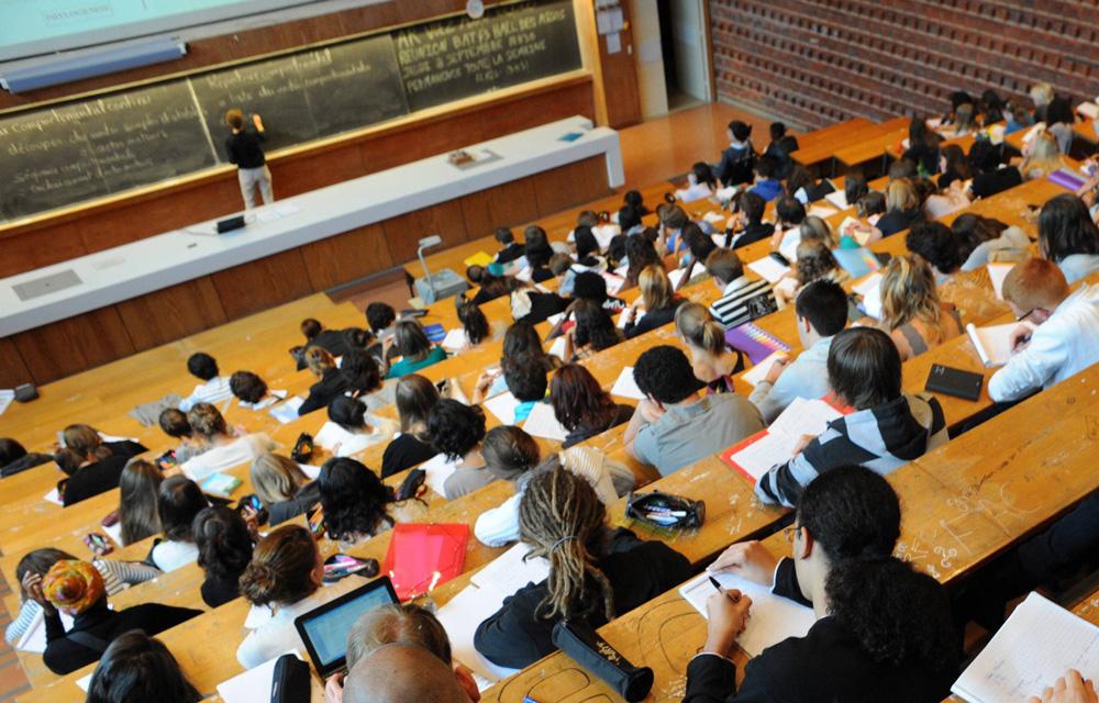 Enseignement supérieur-Etudiants tunisiens à l'étranger : Octroi de crédits d'études