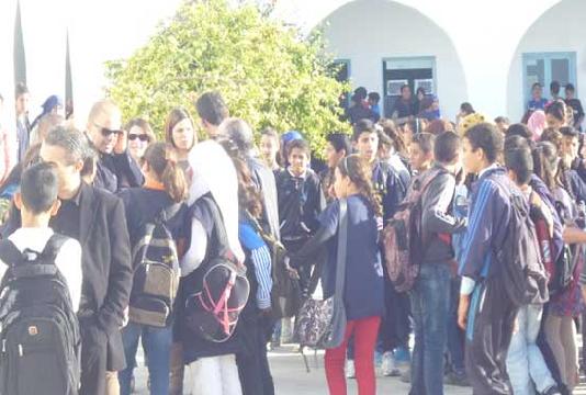 Un programme pilote de gestion des heures creuses pour la lutte contre la drogue en milieu scolaire