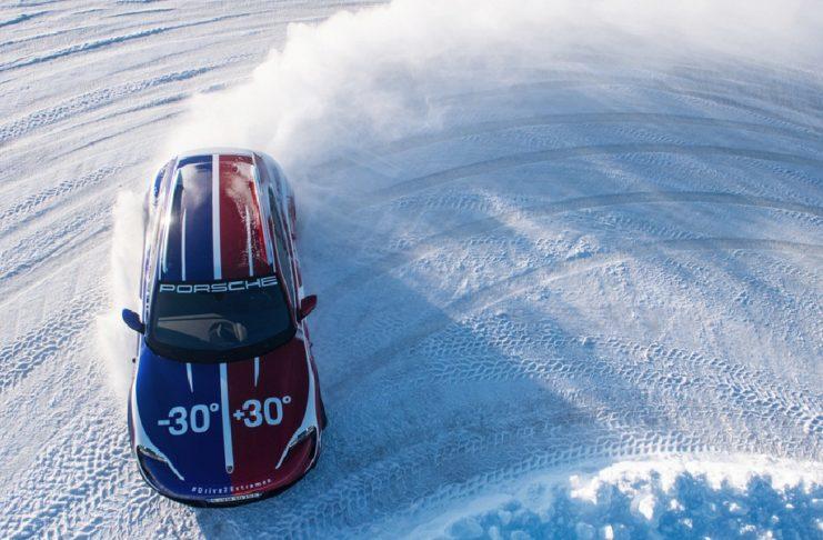 Lancement du nouveau Taycan Cross Turismo : Porsche s'aventure sur les routes de l'extrême