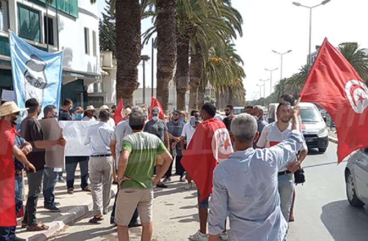 """Pour un réel développement... Sit-in à Jendouba demandant au gouverneur de """"dégager"""""""