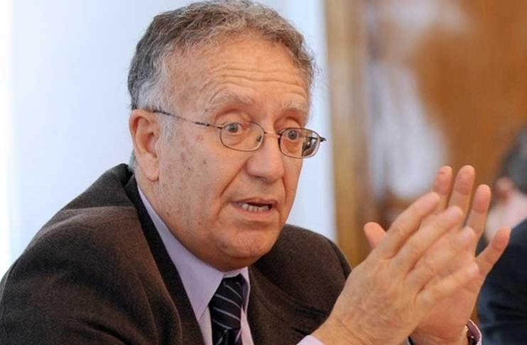 Yadh Ben Achour : Il s'agit d'un coup d'Etat