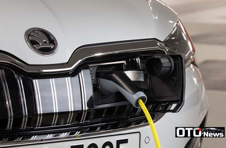 """Skoda annonce la fin de l'hybride rechargeable... """"Les versions d'Octaviaet deSuperbne seront pas suivies, l'avenir étant la voiture électrique pure"""""""