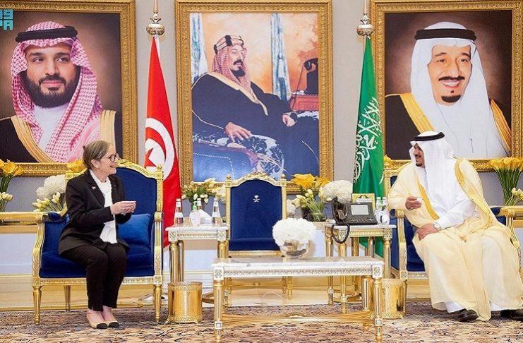 Najla Bouden ne porte pas le voile lors de sa visite en Arabie Saoudite